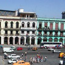 2 HAVANA CITY BREAK - Street scene